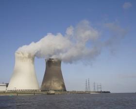 nuclear-power-station-Doel-photo-Goya-Bauwens1[1]